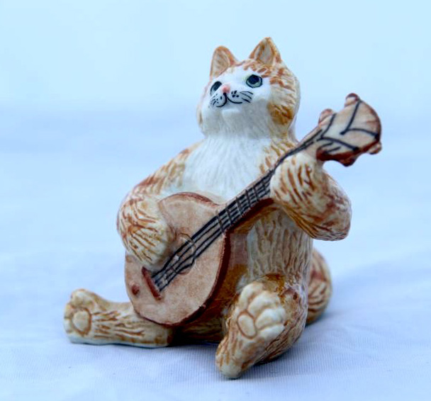 KLIMA CAT Ginger w/MANDOLIN New MINIATURE Porcelain K629E