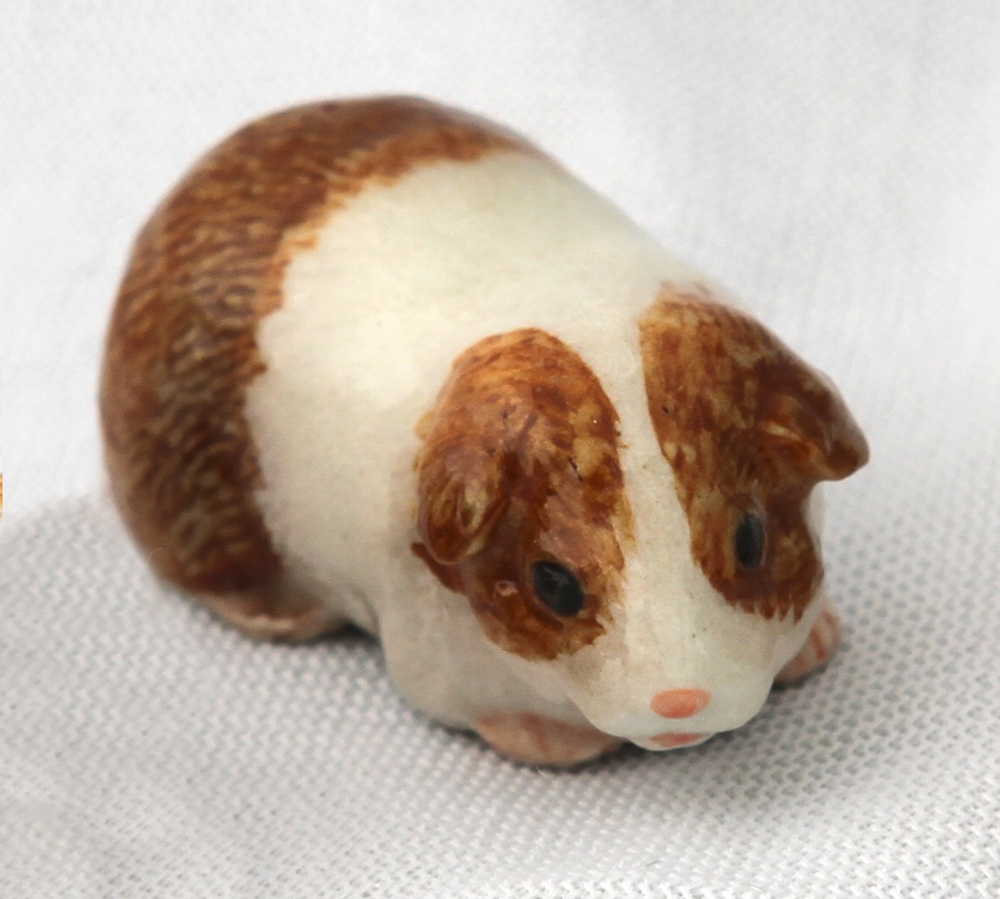 GUINEA PIG Brown/White MOM Stands SUPER MINIATURE Porcelain KLIMA L878H