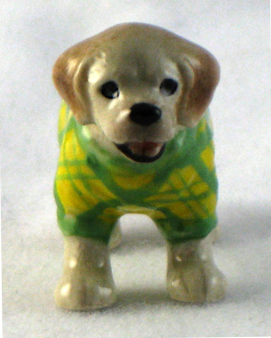 LABRADOR Dog n Green/Yellow checks Sweater SUPER MINIATURE Figurine Porcelain KLIMA L893H