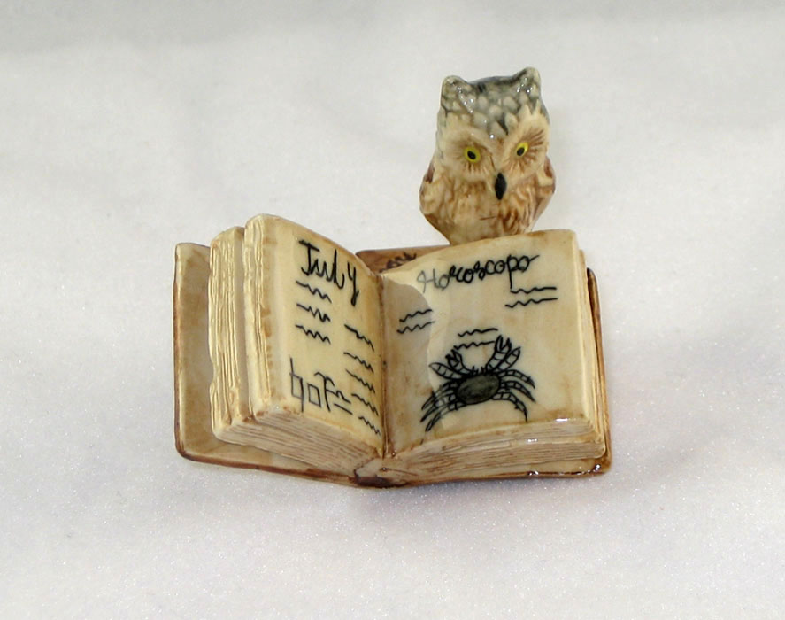 OWL 2 Stacked Brown BOOKS 1 Open MINIATURE Porcelain KLIMA K419-23