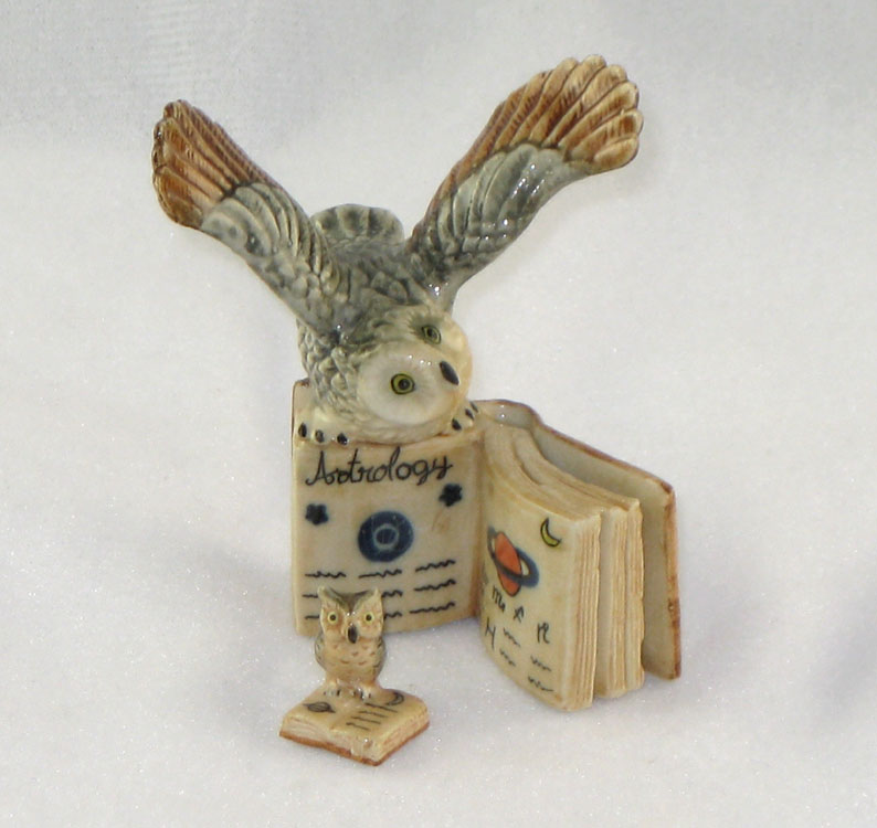 Owl GREAT HORN Open Wings on Book w/Chick (2) figurines MINIATURE Porcelain KLIMA K419-2