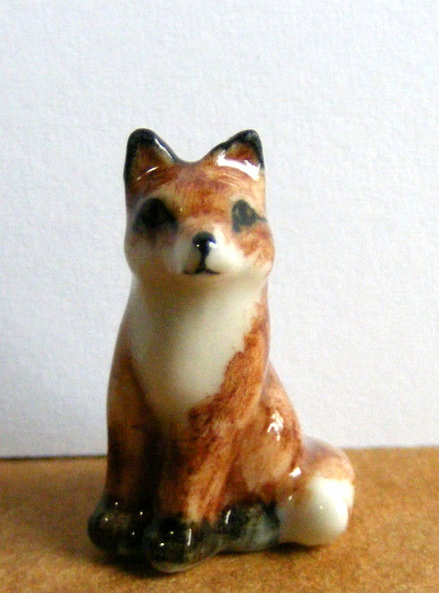 RED FOX Pup Sits SUPER Miniature Figurine Porelain KLIMA L927